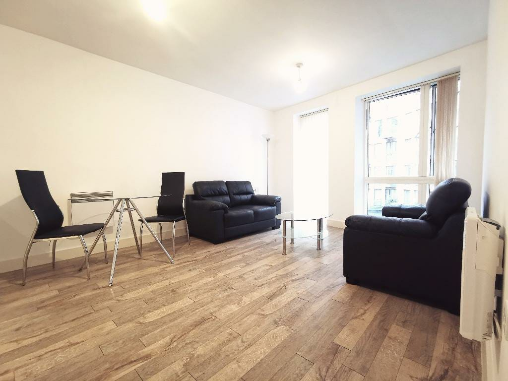 Modern Two Bedroom Apartment For Rent at I-Land in Birmingham B5